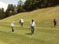こすもす作業所 ゴルフ場の穴埋め作業